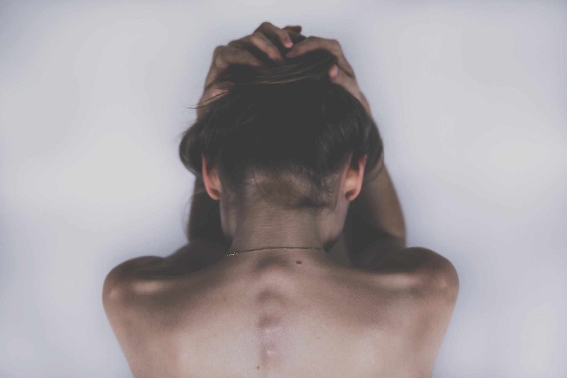 Frau, Rücken, Schmerzen